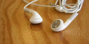 How to fix Earbuds one Side is Silent